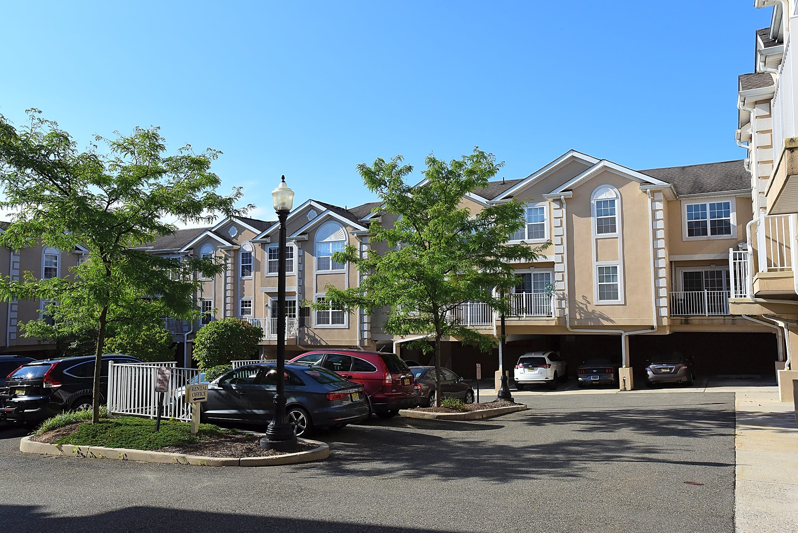Apartments Near Felician Liberty Terrace for Felician College Students in Lodi, NJ