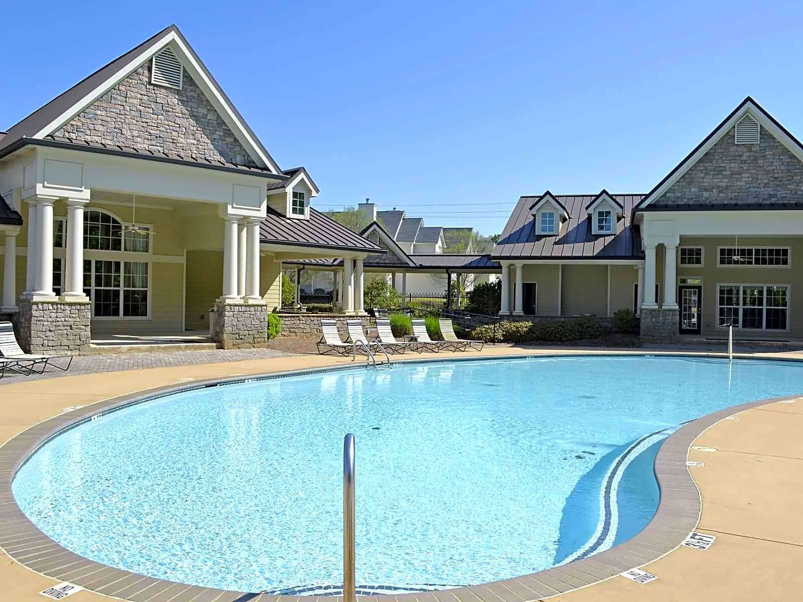 Colonial Hills Apartments East Point Ga