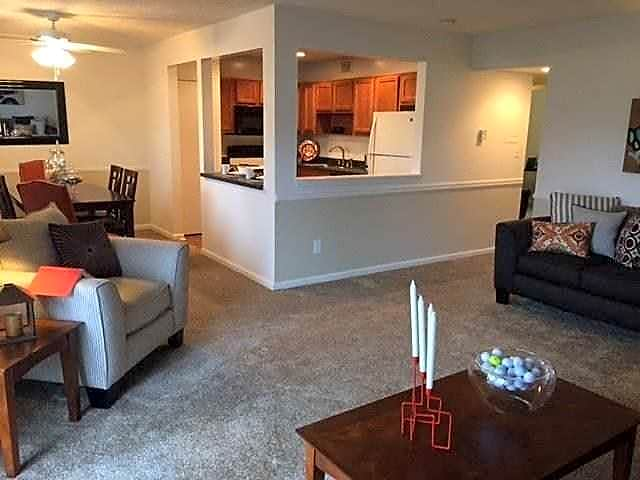 Apartments Near Franklin Courts Of Valle Vista for Franklin College Students in Franklin, IN