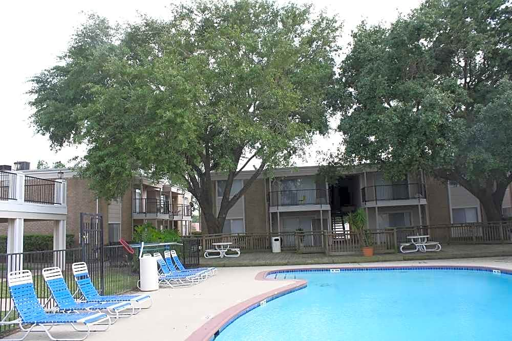 Apartments Near Bellaire