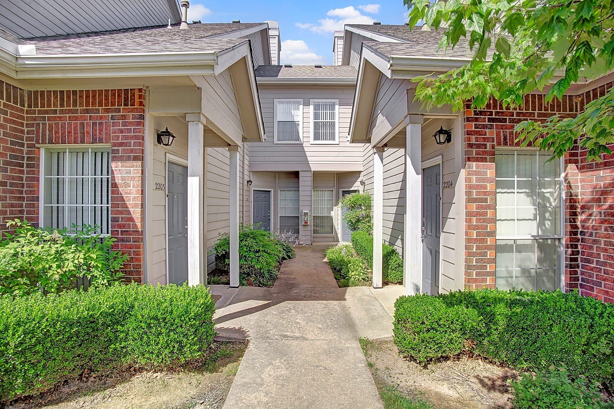 Townhome feel with separate entrances