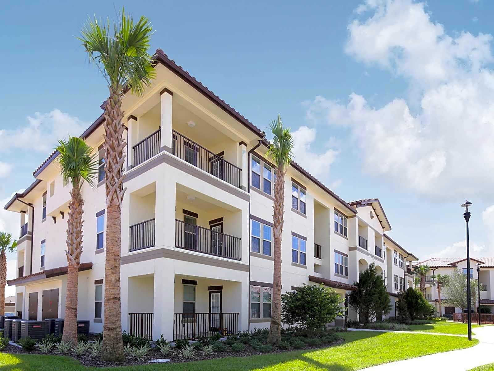Apartments Near Florida Southern College