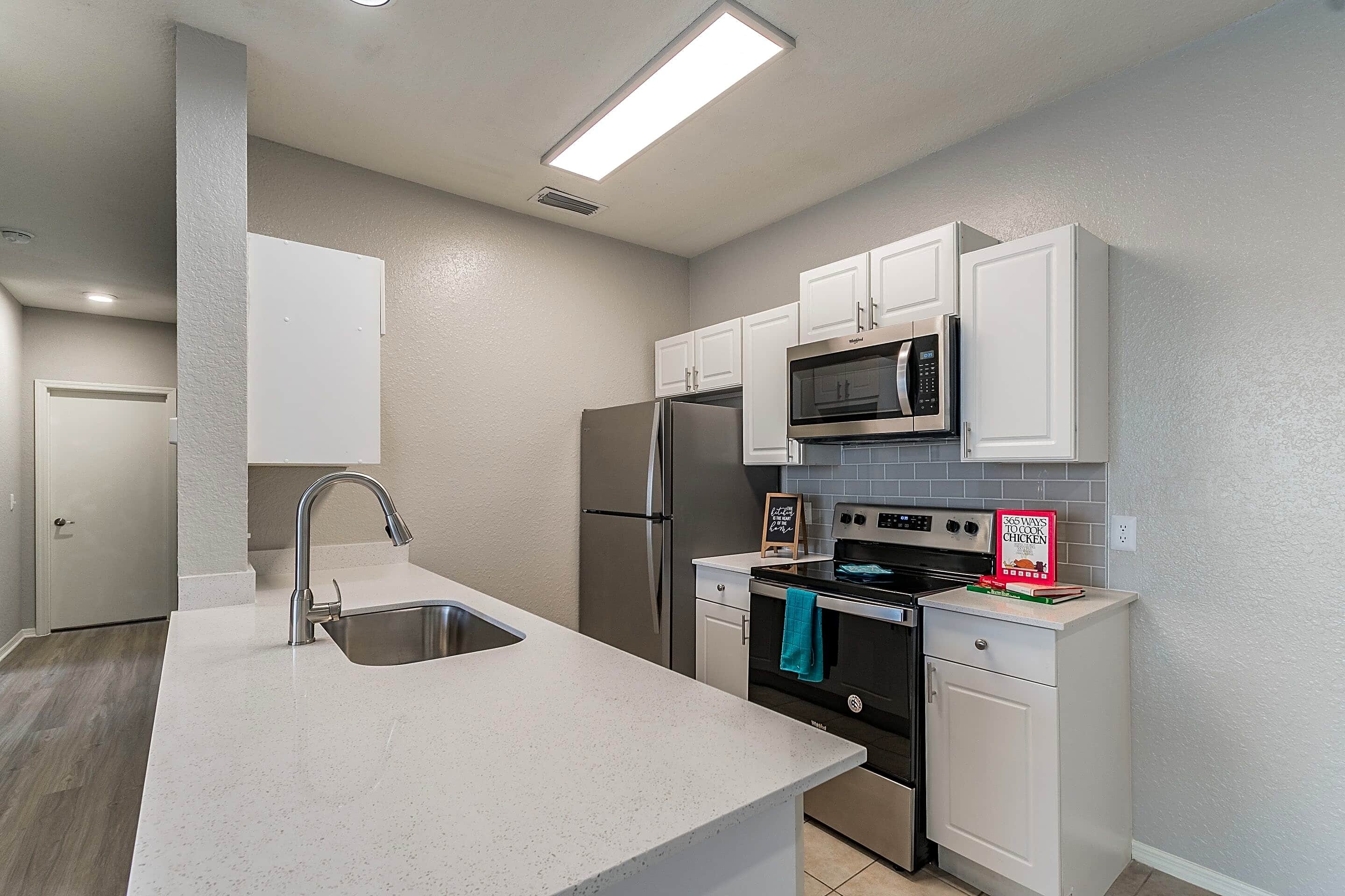 Apartments Near Florida Southern Village At Lake Highland for Florida Southern College Students in Lakeland, FL