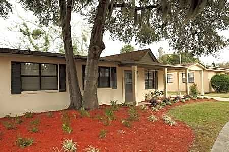 Apartments Near South Hunter Army Airfield for South University Students in Savannah, GA