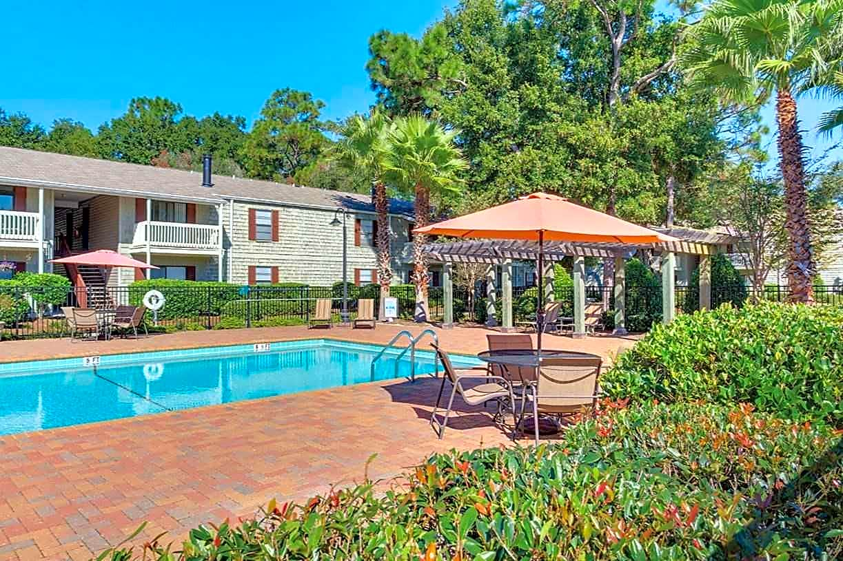 Apartments Near UWF Woodcliff for University of West Florida Students in Pensacola, FL