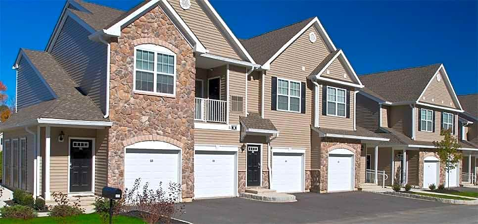 Apartments Near SUNY New Paltz Summit Lane Luxury Apartments for SUNY New Paltz Students in New Paltz, NY