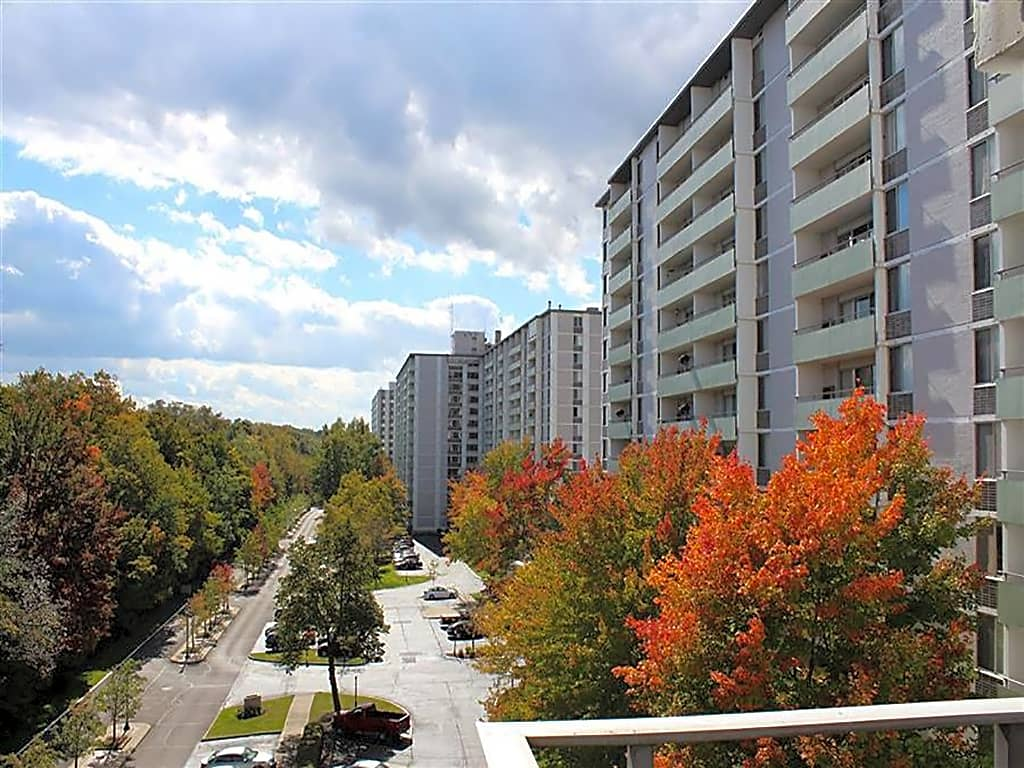 Apartments Near John Carroll Gates Mills Place for John Carroll University Students in Cleveland, OH