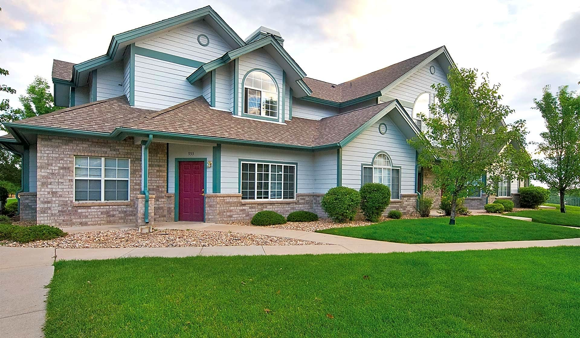 Apartment homes in a quiet residential neighborhood of Centennial, CO
