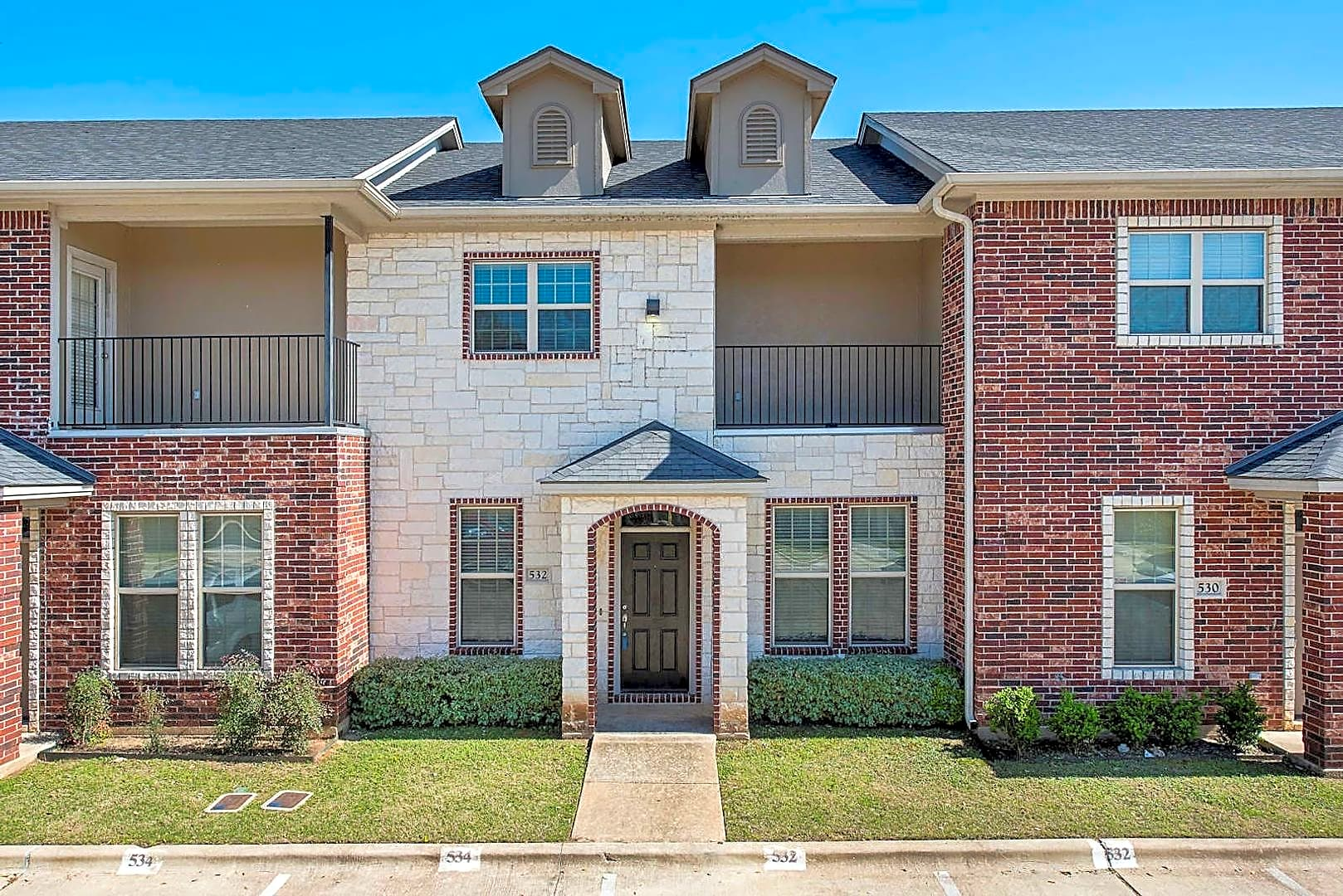 Apartments Near Texas A&M Gateway Villas for Texas A&M University Students in College Station, TX