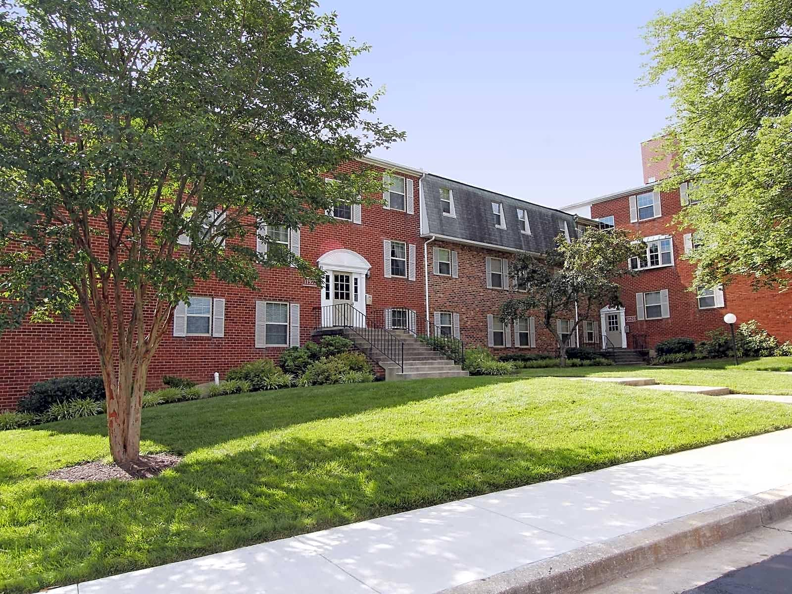 Village square apartments wheaton md 20906 for Academie de cuisine bethesda md