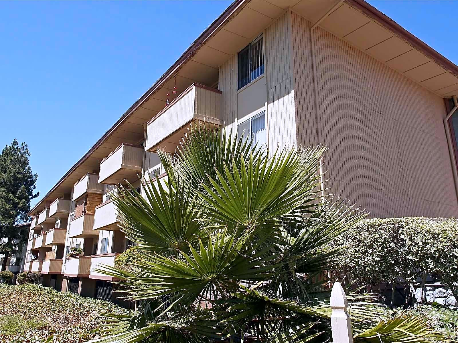 Palm Lake Apartments for rent in Concord
