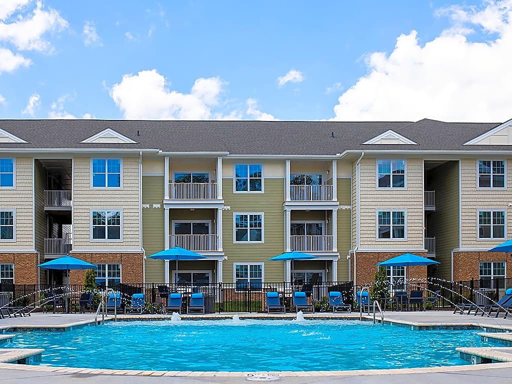 Apartments Near VCU Sapphire at Centerpointe for Virginia Commonwealth University Students in Richmond, VA
