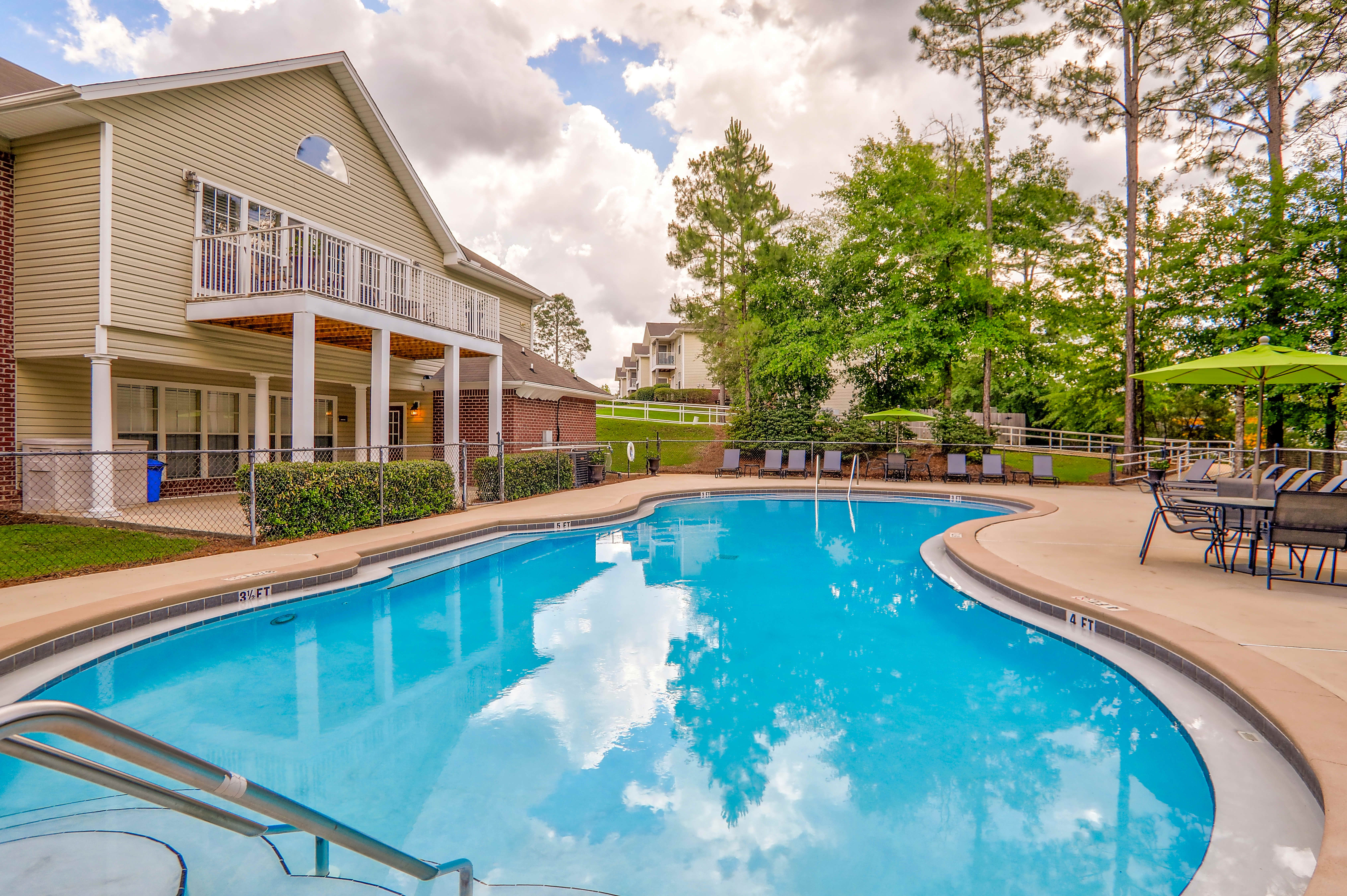 Apartments Near NWF State Riverwood for Northwest Florida State College Students in Niceville, FL
