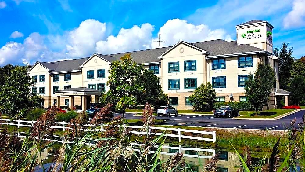 Apartments Near Madonna Furnished Studio - Detroit - Canton for Madonna University Students in Livonia, MI