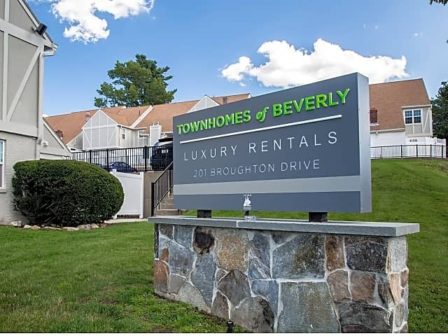 The Townhomes Of Beverly