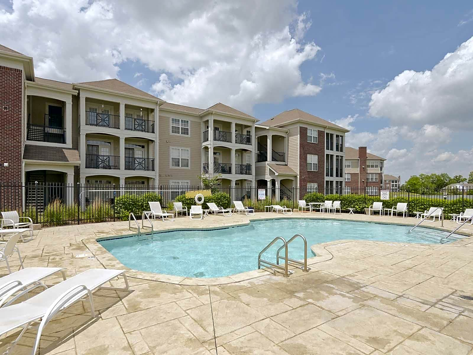 Bayview Club Apartment Homes Indianapolis IN