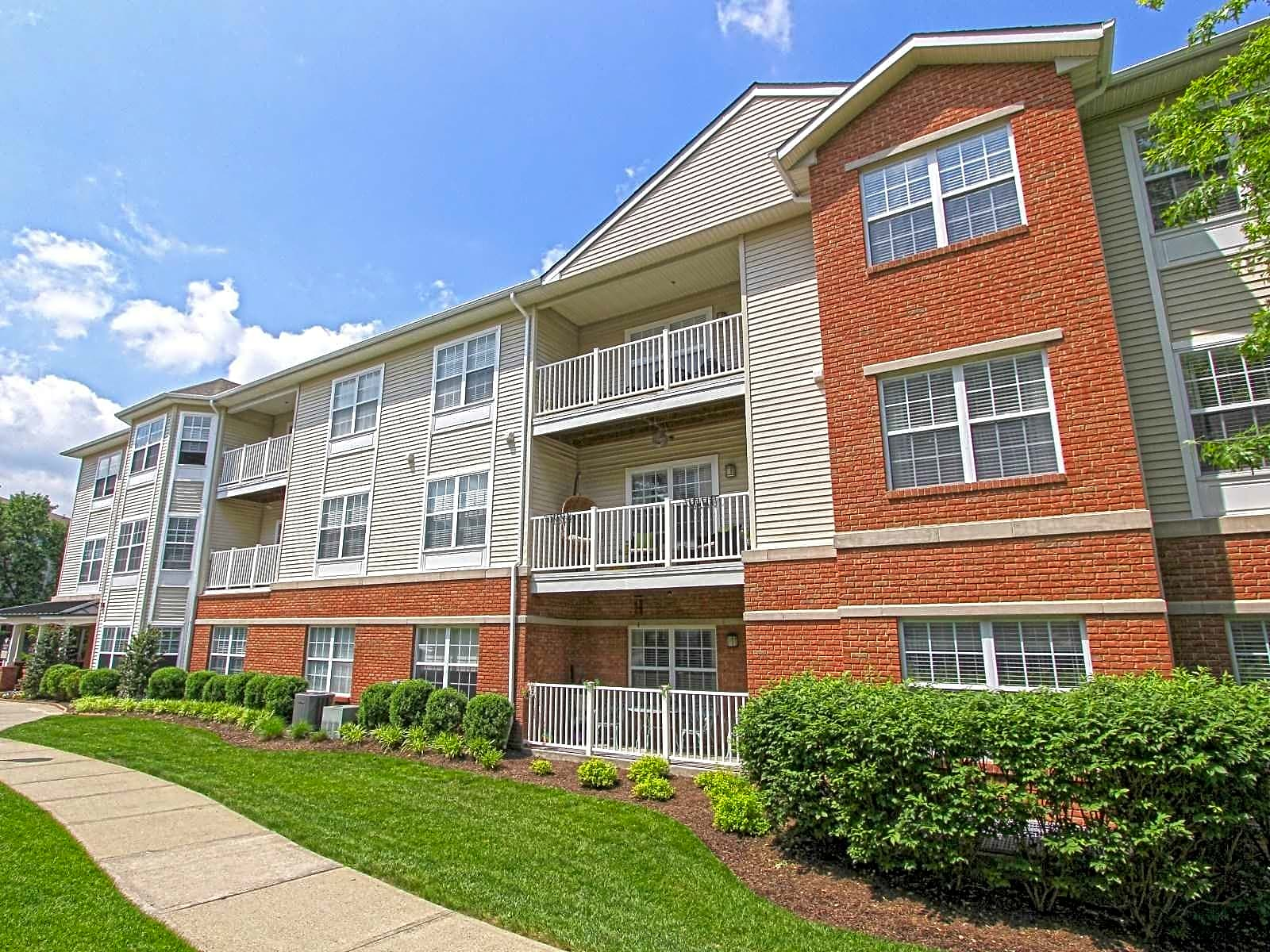 Apartments Near RCC Highlands at Westwood for Rockland Community College Students in Suffern, NY