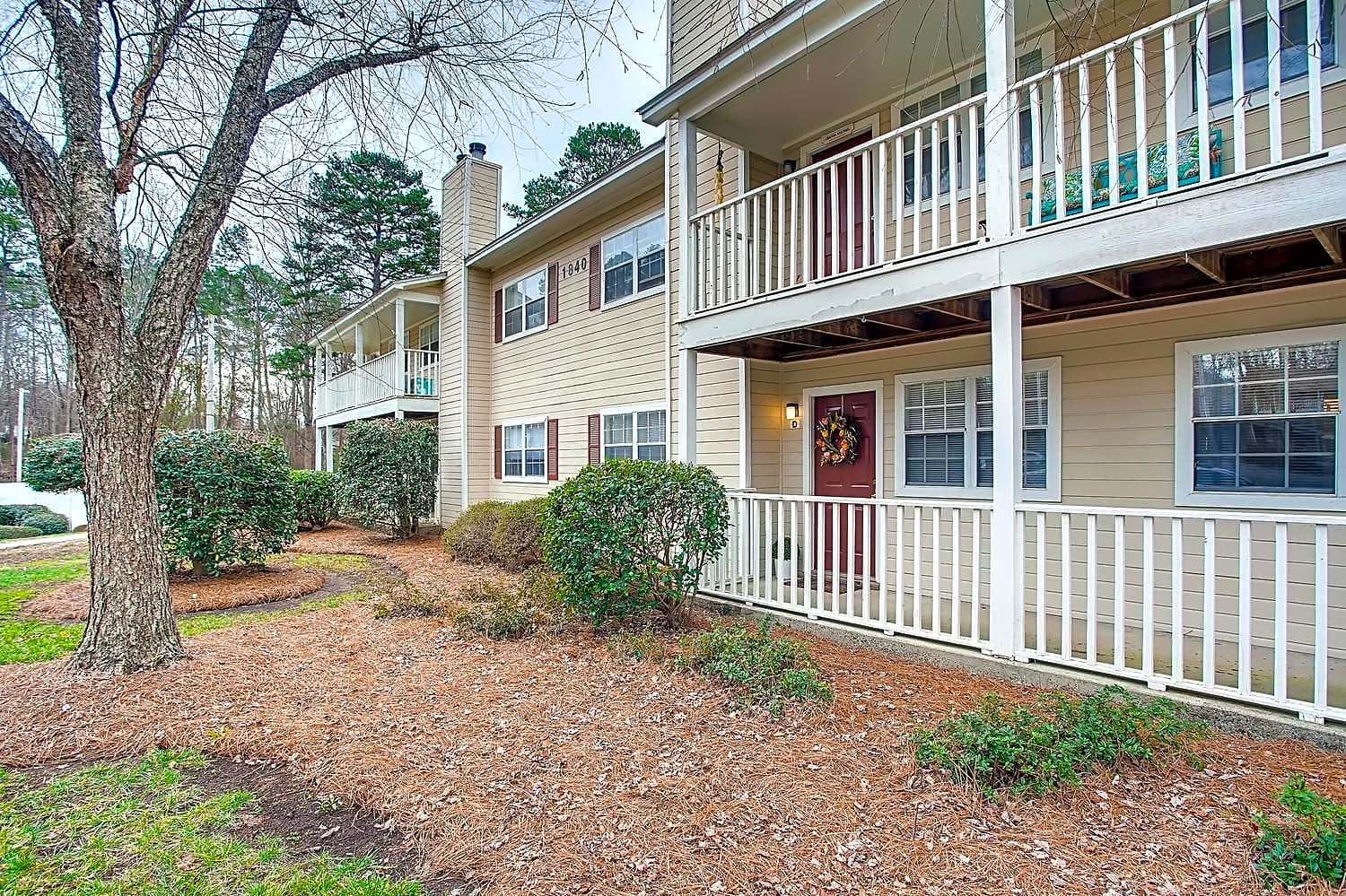 Apartments Near Belmont Abbey The Bluffs At Northwoods for Belmont Abbey College Students in Belmont, NC