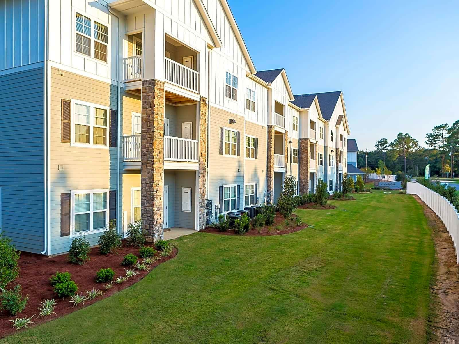Apartments Near UofSC Creekside at Greenlawn for University of South Carolina Students in Columbia, SC