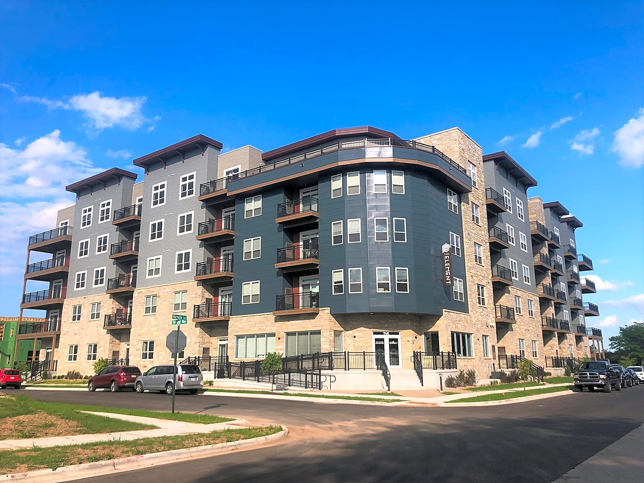 Apartments Near Rasmussen College-Wisconsin The Element Apartments for Rasmussen College-Wisconsin Students in Green Bay, WI