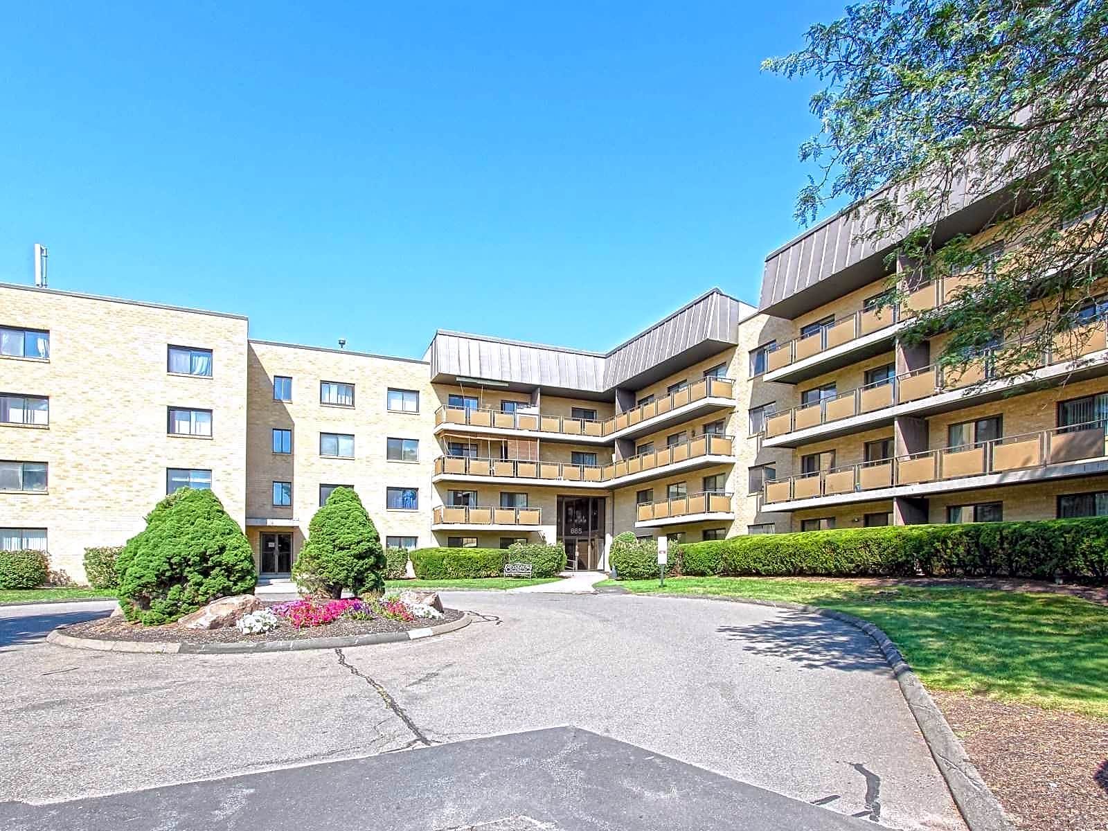 Apartments Near Quinnipiac Chestnut Hill South for Quinnipiac University Students in Hamden, CT