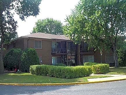 Photo: Bloomington Apartment for Rent - $875.00 / month; 2 Bd & 1 Ba