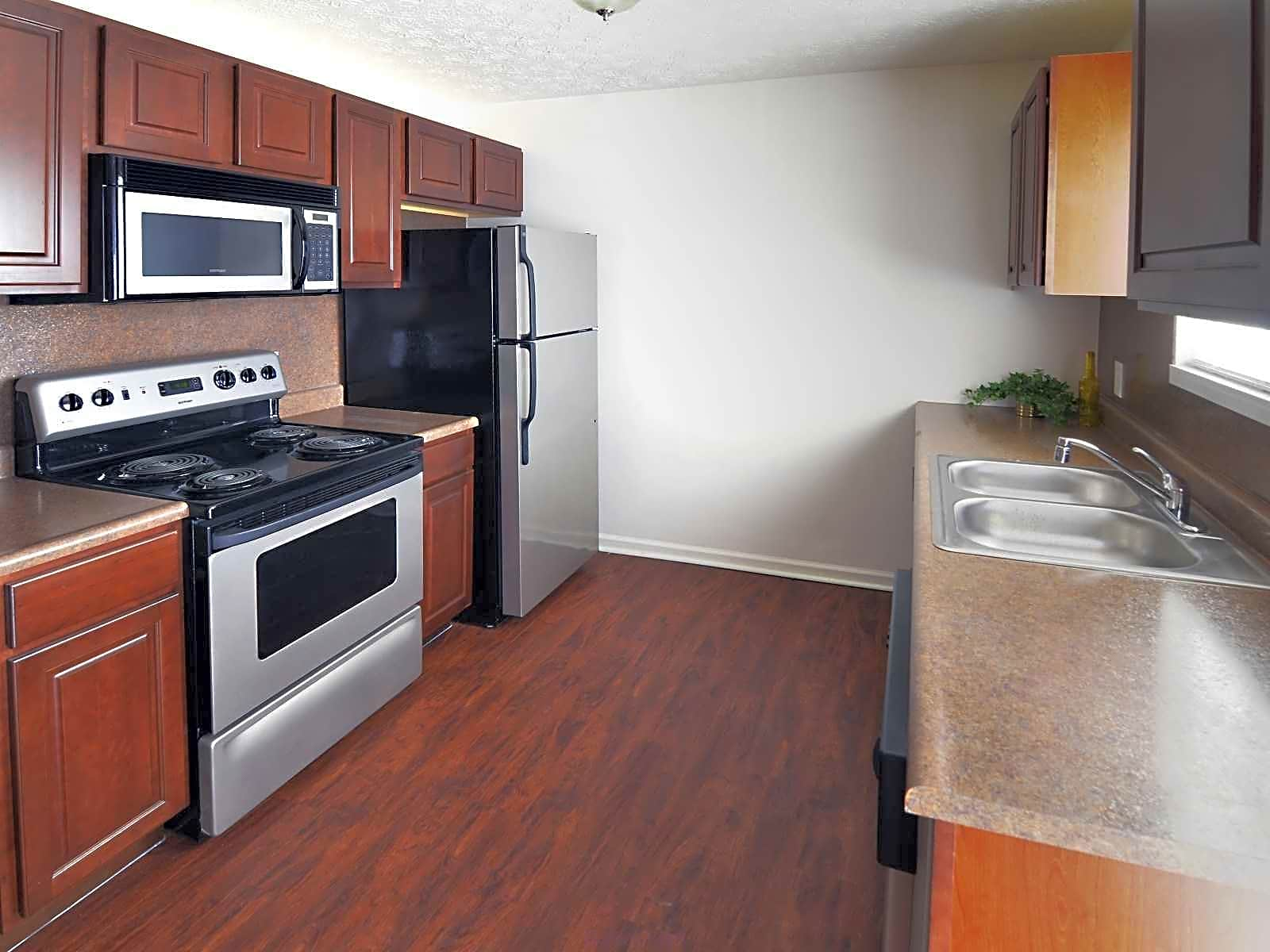 Apartments Near Otterbein Hyde Park for Otterbein College Students in Westerville, OH