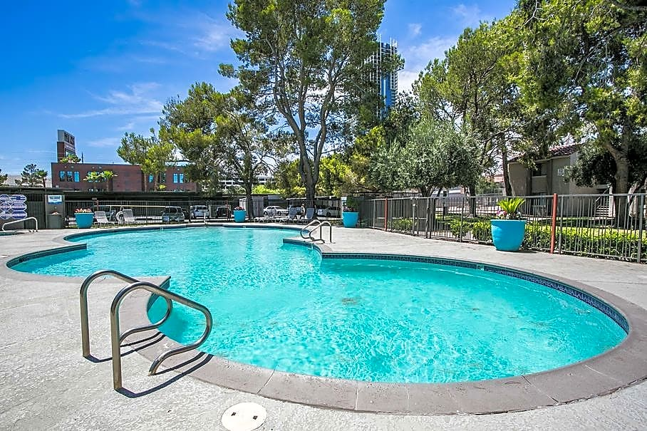 Apartments Near UNLV Topaz for University of Nevada-Las Vegas Students in Las Vegas, NV