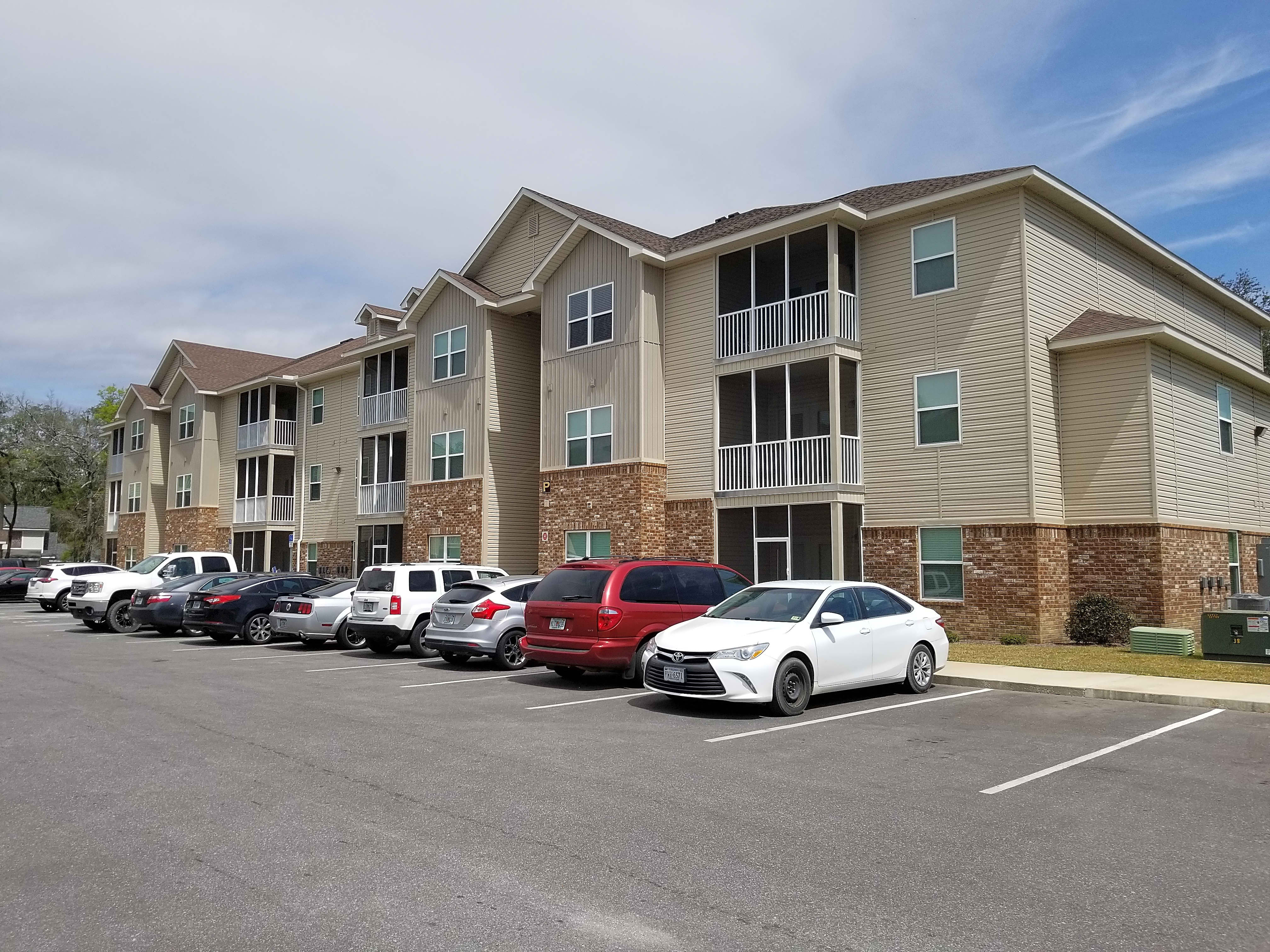 Apartments Near NWF State Crosswinds Apartments for Northwest Florida State College Students in Niceville, FL