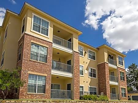 Apartments Near SAGU Bella Ruscello Luxury Apartment Homes for Southwestern Assemblies of God University Students in Waxahachie, TX
