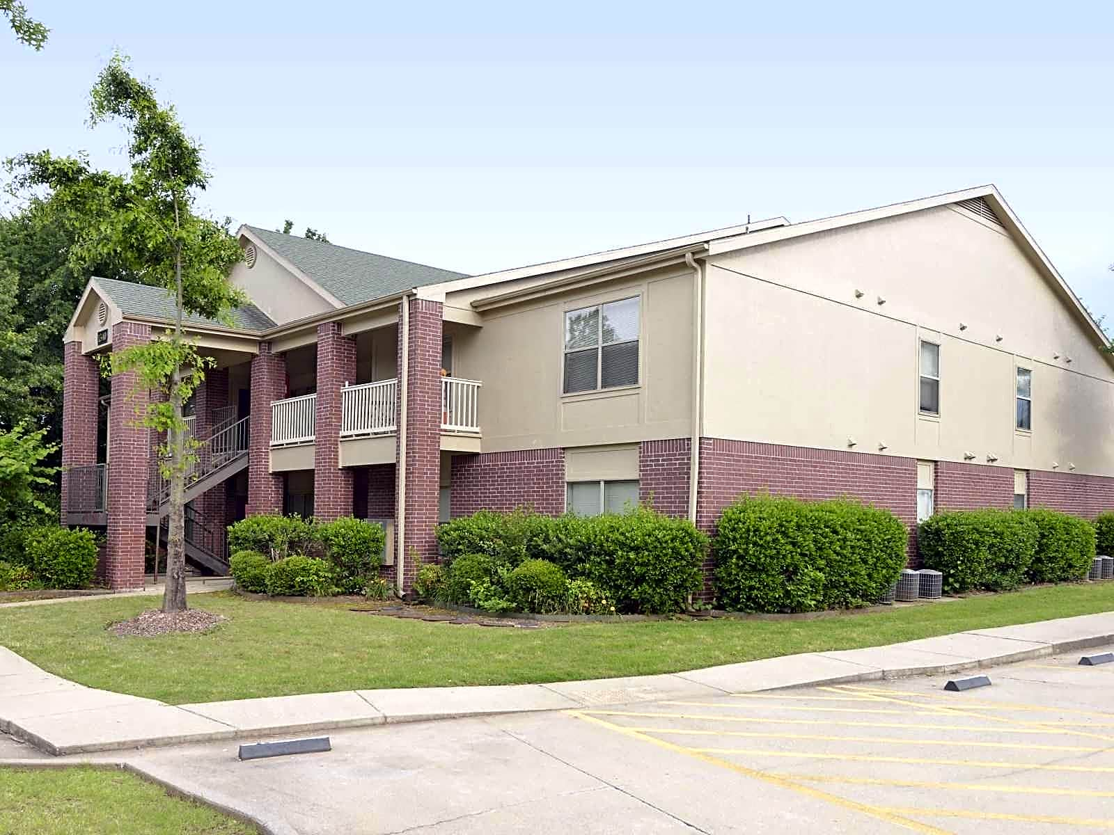 review apartments beautiful fayetteville amp of inn in quinta la hotel suites one bedroom ar