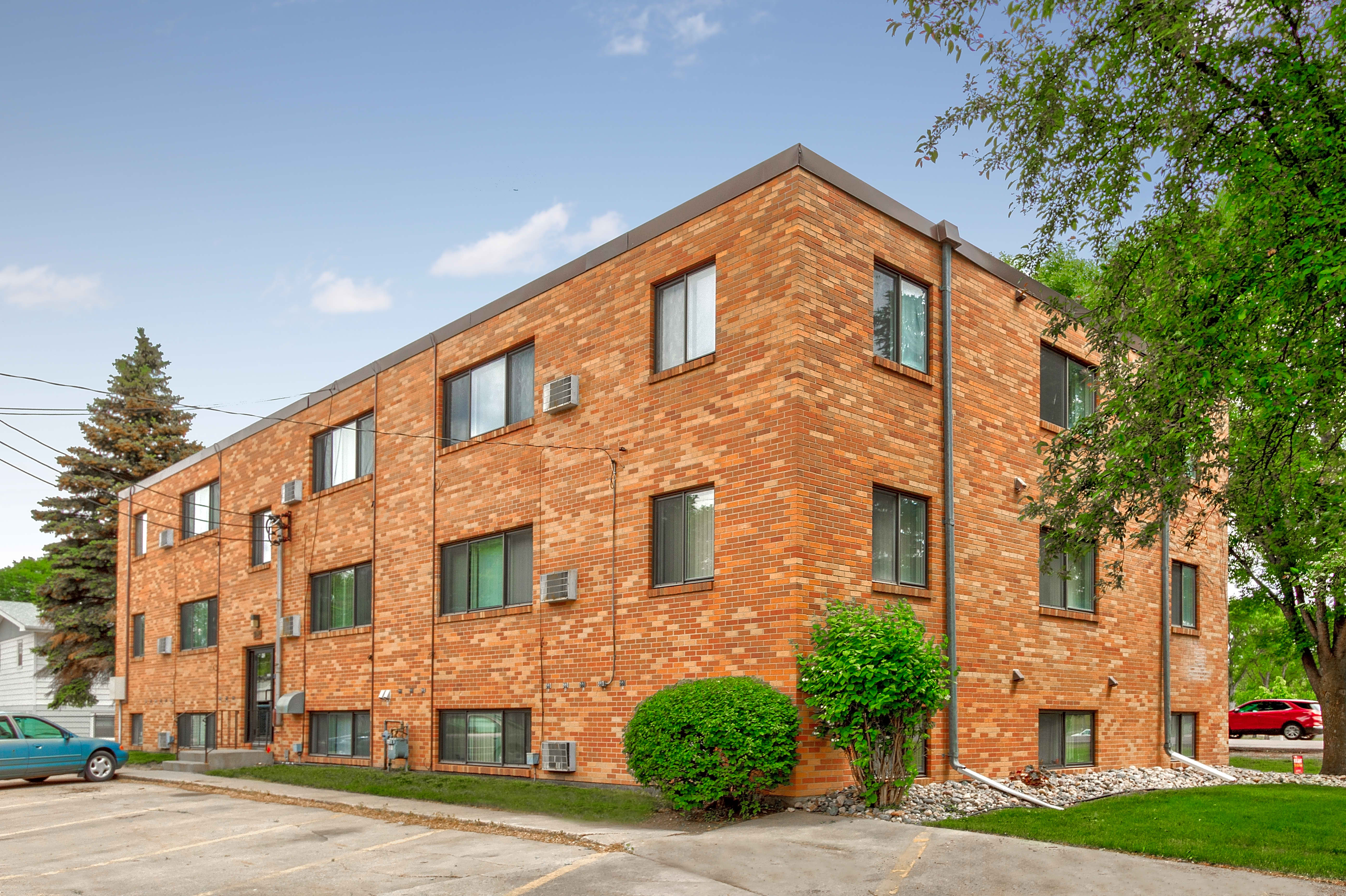 Minnesota State University Moorhead (MSUM) Housing | Uloop
