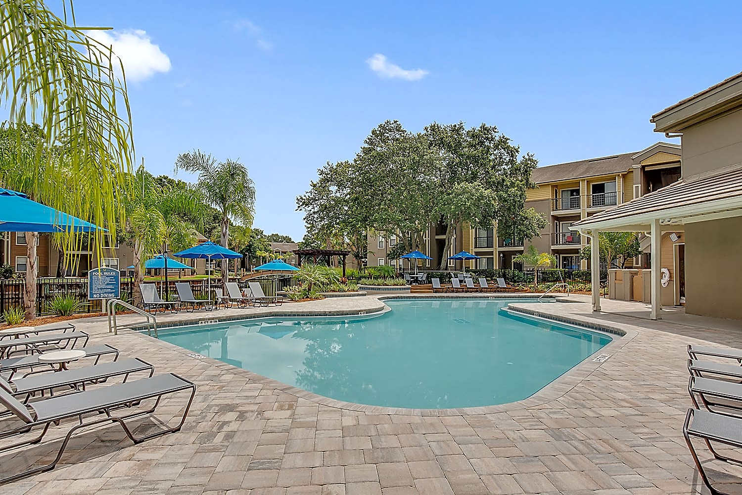 Apartments Near JU The Meridian for Jacksonville University Students in Jacksonville, FL