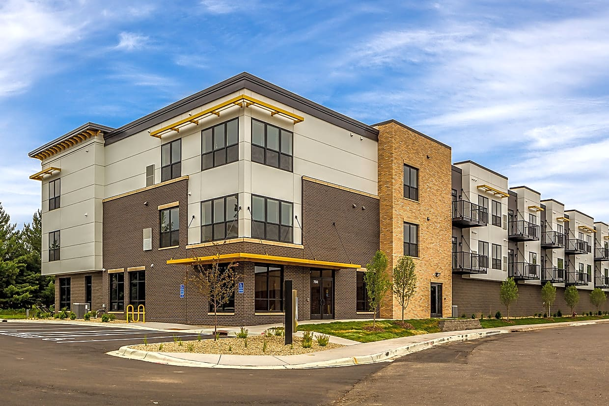 Apartments Near Century Mahtomedi Flats for Century College Students in  White Bear Lake, MN