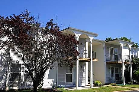 Photo: Bowling Green Apartment for Rent - $675.00 / month; 2 Bd & 2 Ba