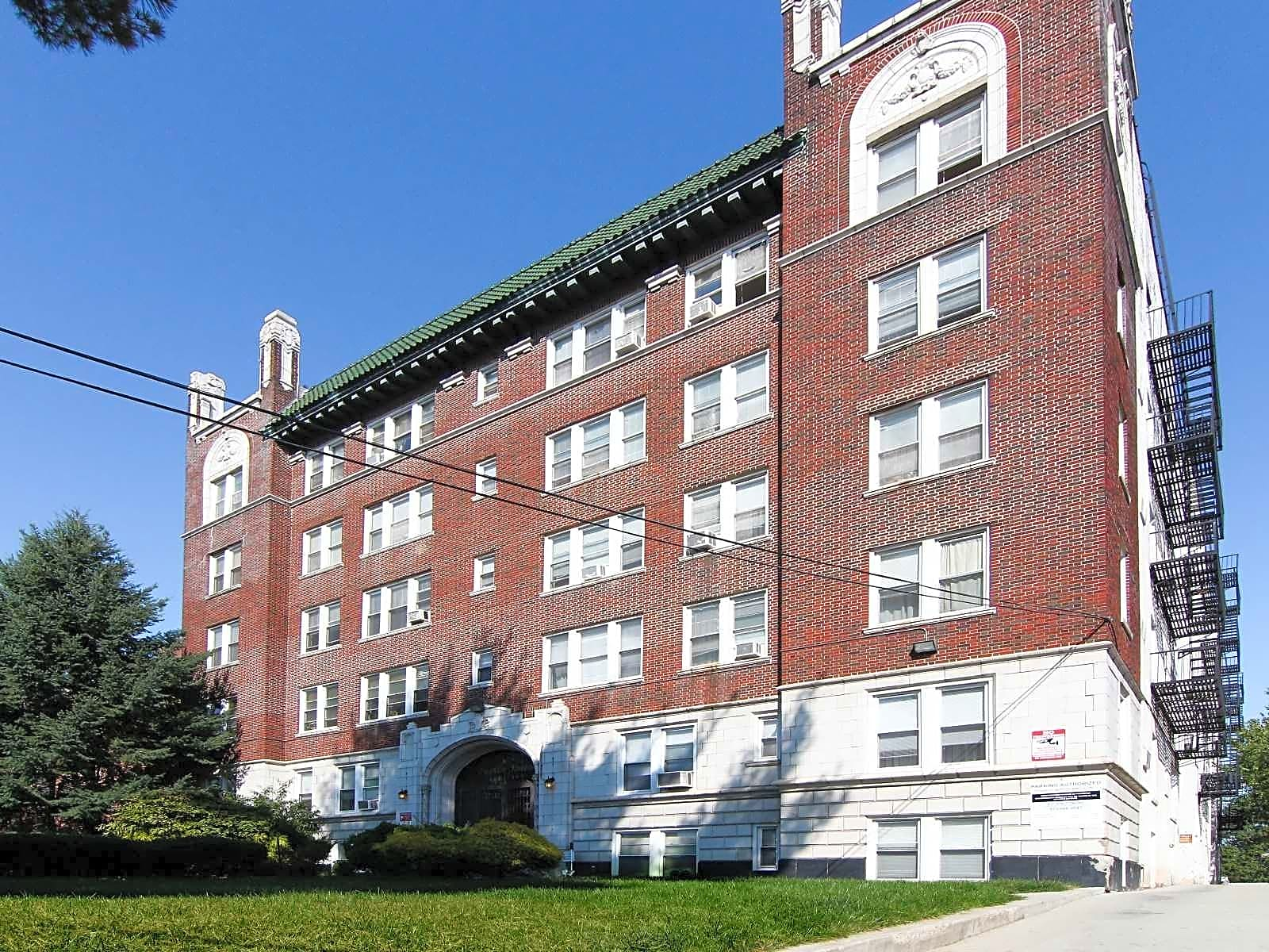 Apartments Near Bloomfield Franklin Towers for Bloomfield College Students in Bloomfield, NJ