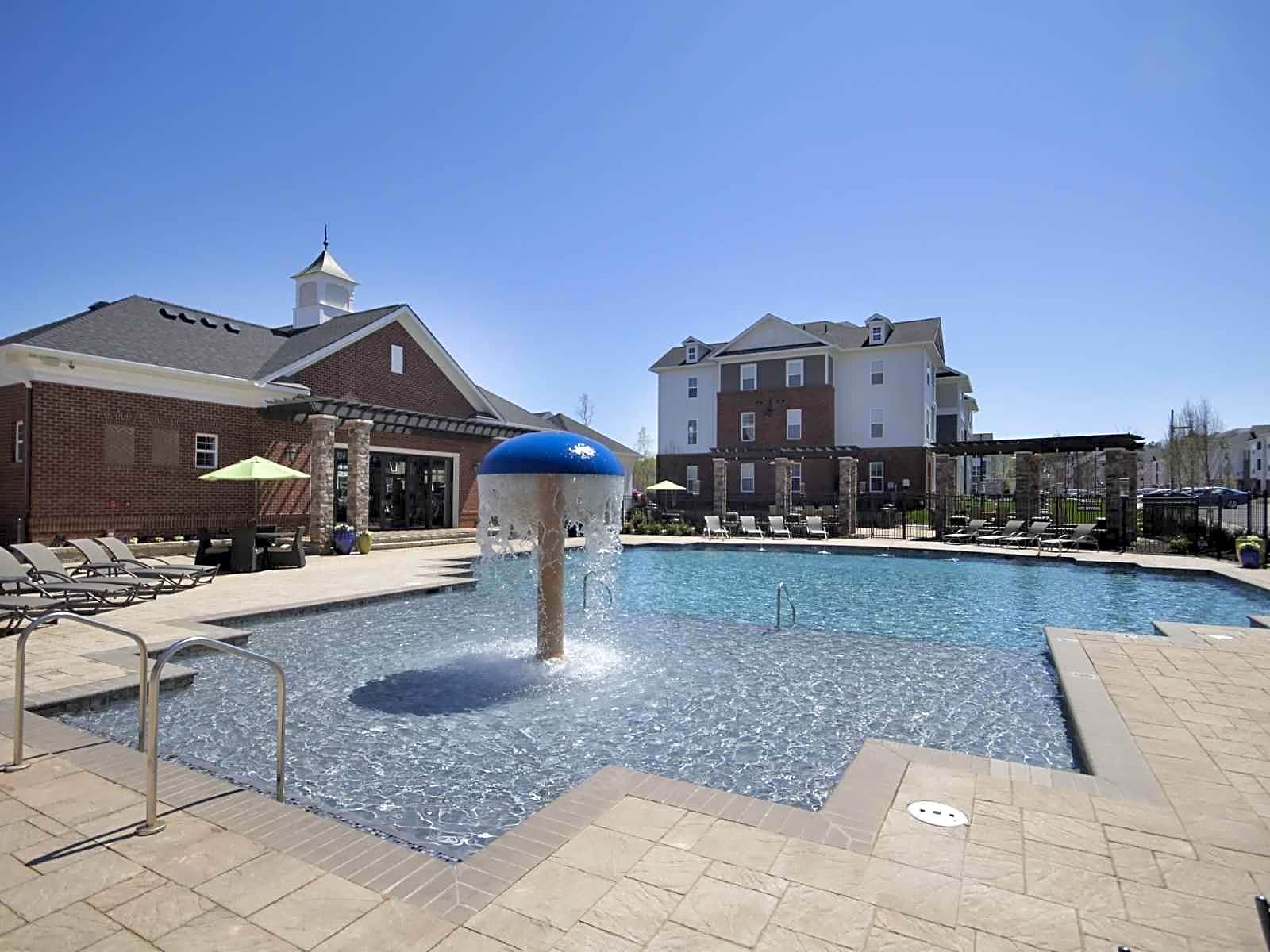 Apartments Near VCU Marshall Springs At Gayton West for Virginia Commonwealth University Students in Richmond, VA