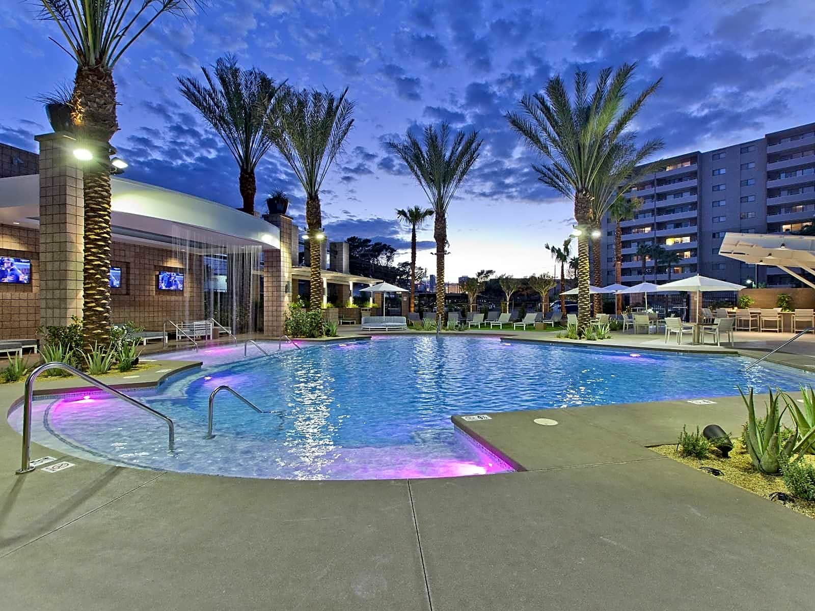Apartments Near UNLV Vegas Towers for University of Nevada-Las Vegas Students in Las Vegas, NV