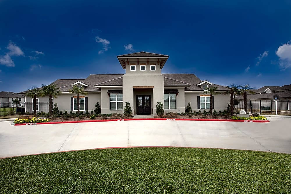 Apartments Near McNeese Belle Savanne Luxury Apartments for McNeese State University Students in Lake Charles, LA