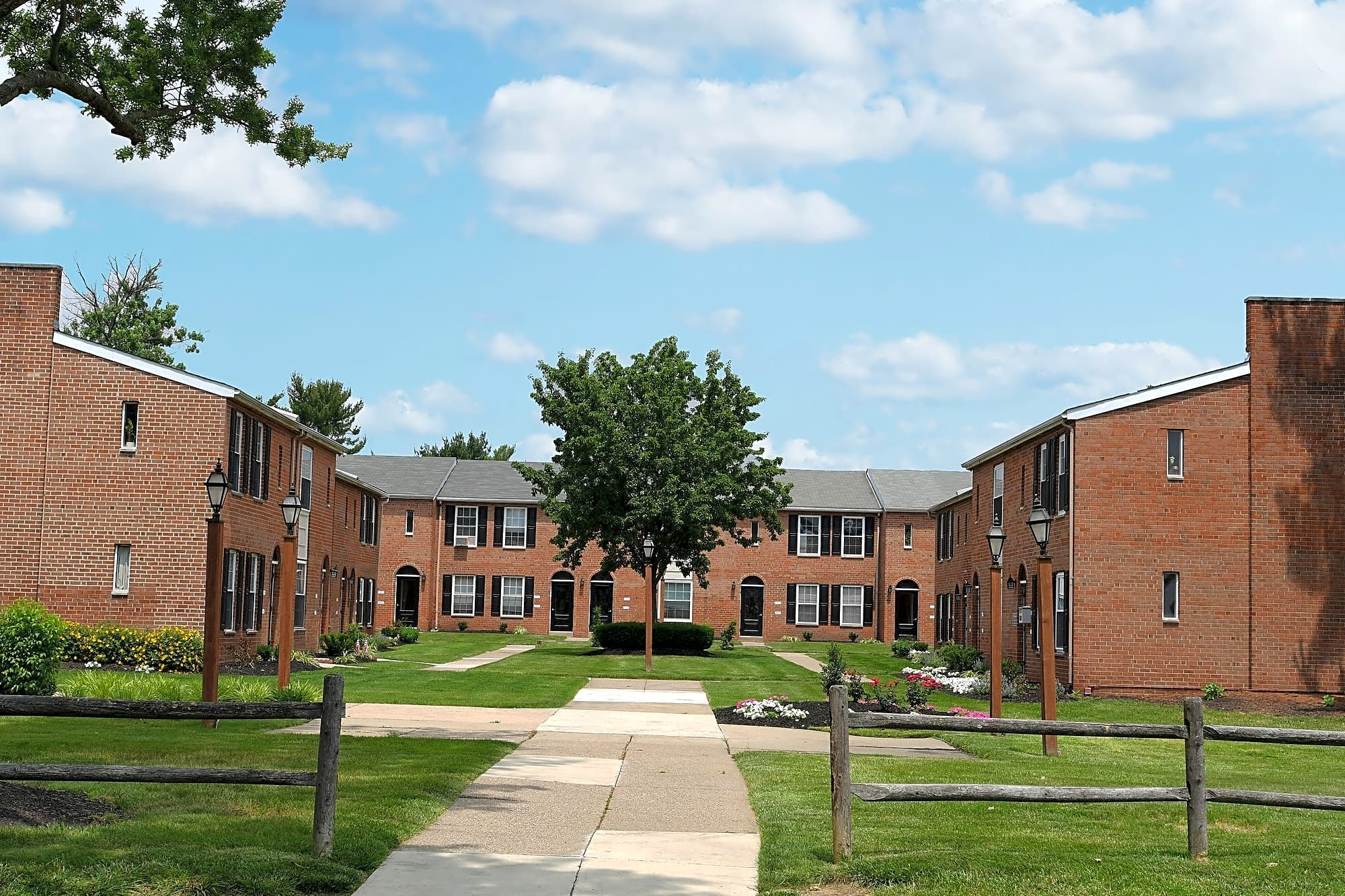 Cherry Hill Square Apartments