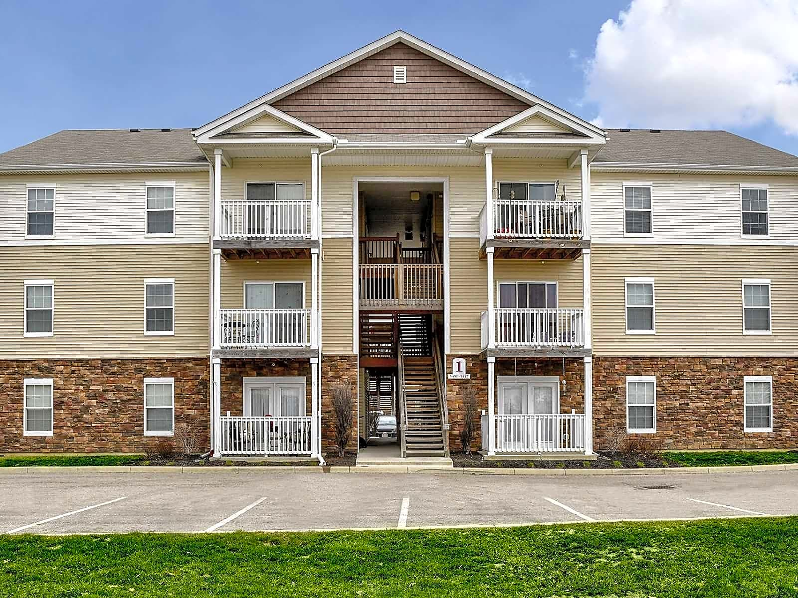 Apartments Near Otterbein Caleb's Creek for Otterbein College Students in Westerville, OH