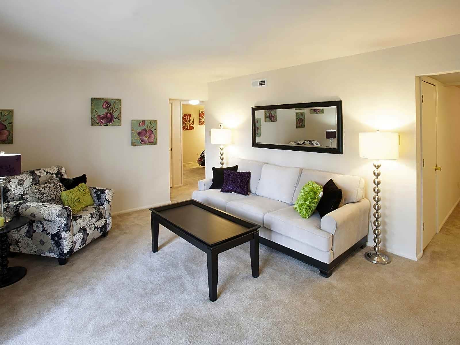 Apartments Near Logan Cherry Creek for Logan University Students in Chesterfield, MO