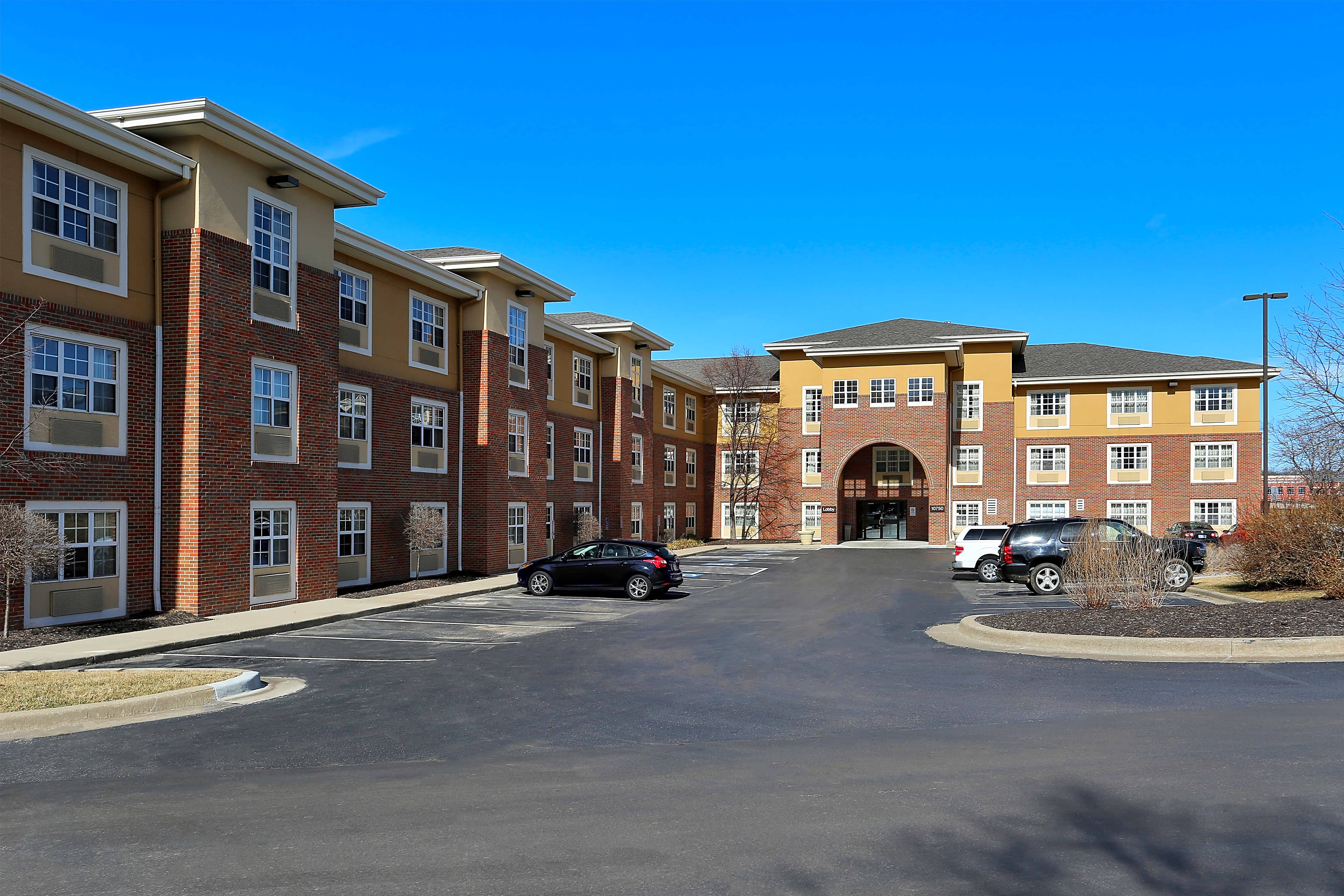 Apartments Near ITT Technical Institute-Kansas City Furnished Studio - Kansas City - Overland Park - Quivira Rd. for ITT Technical Institute-Kansas City Students in Kansas City, MO