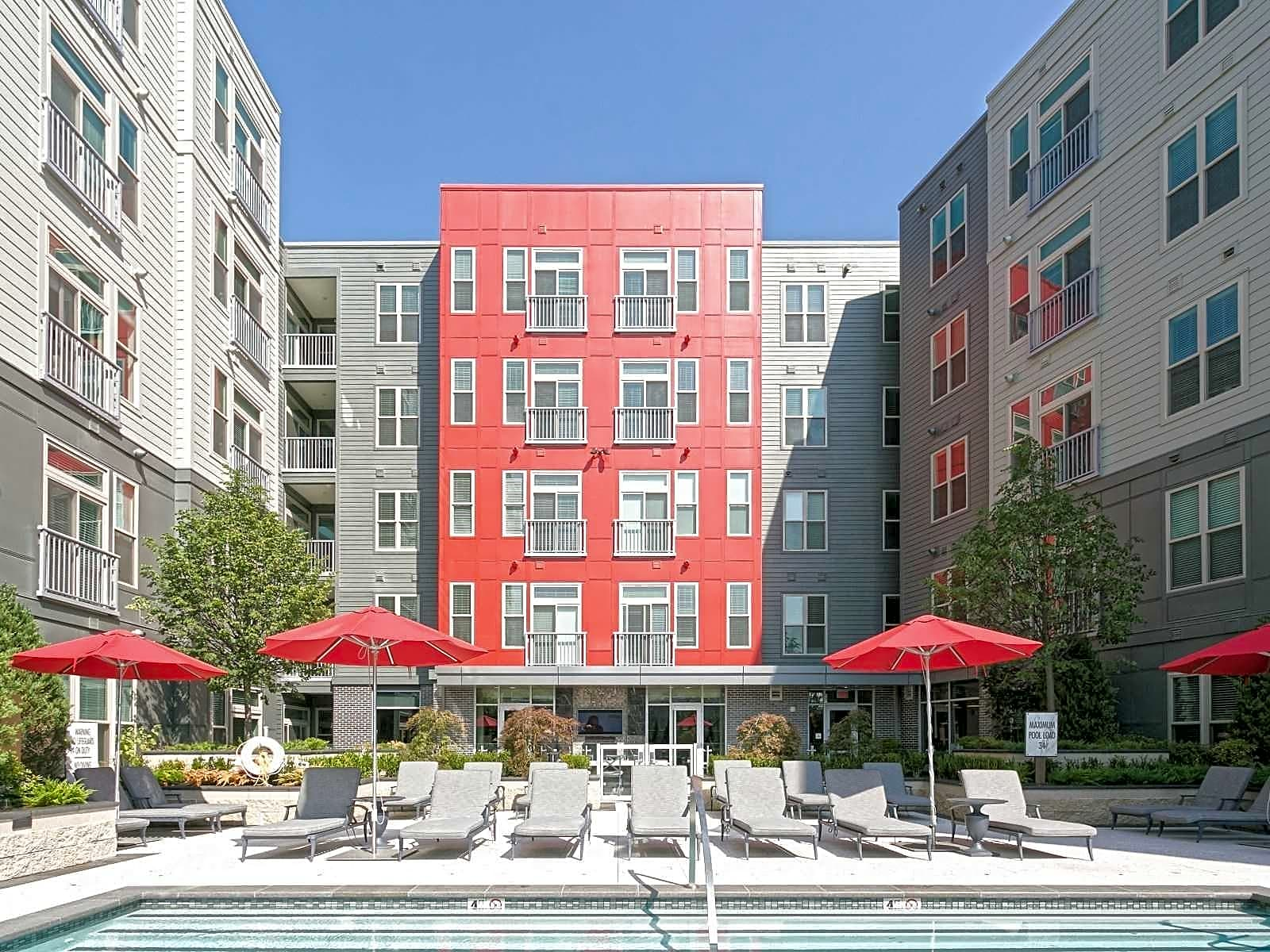 Apartments Near Boston College Hanover Alewife for Boston College Students in Chestnut Hill, MA