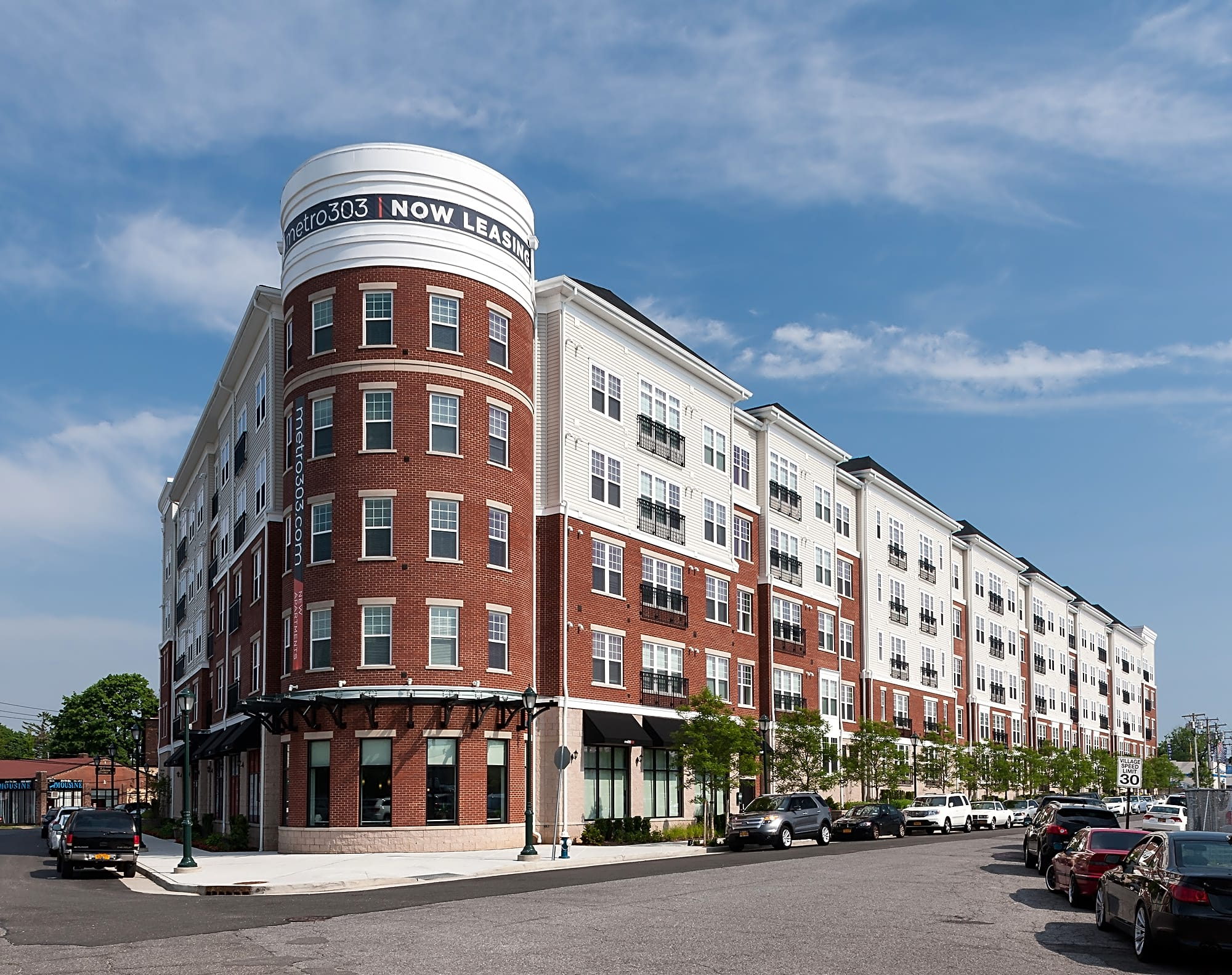 Apartments Near Briarcliffe College Metro 303 for Briarcliffe College Students in Bethpage, NY