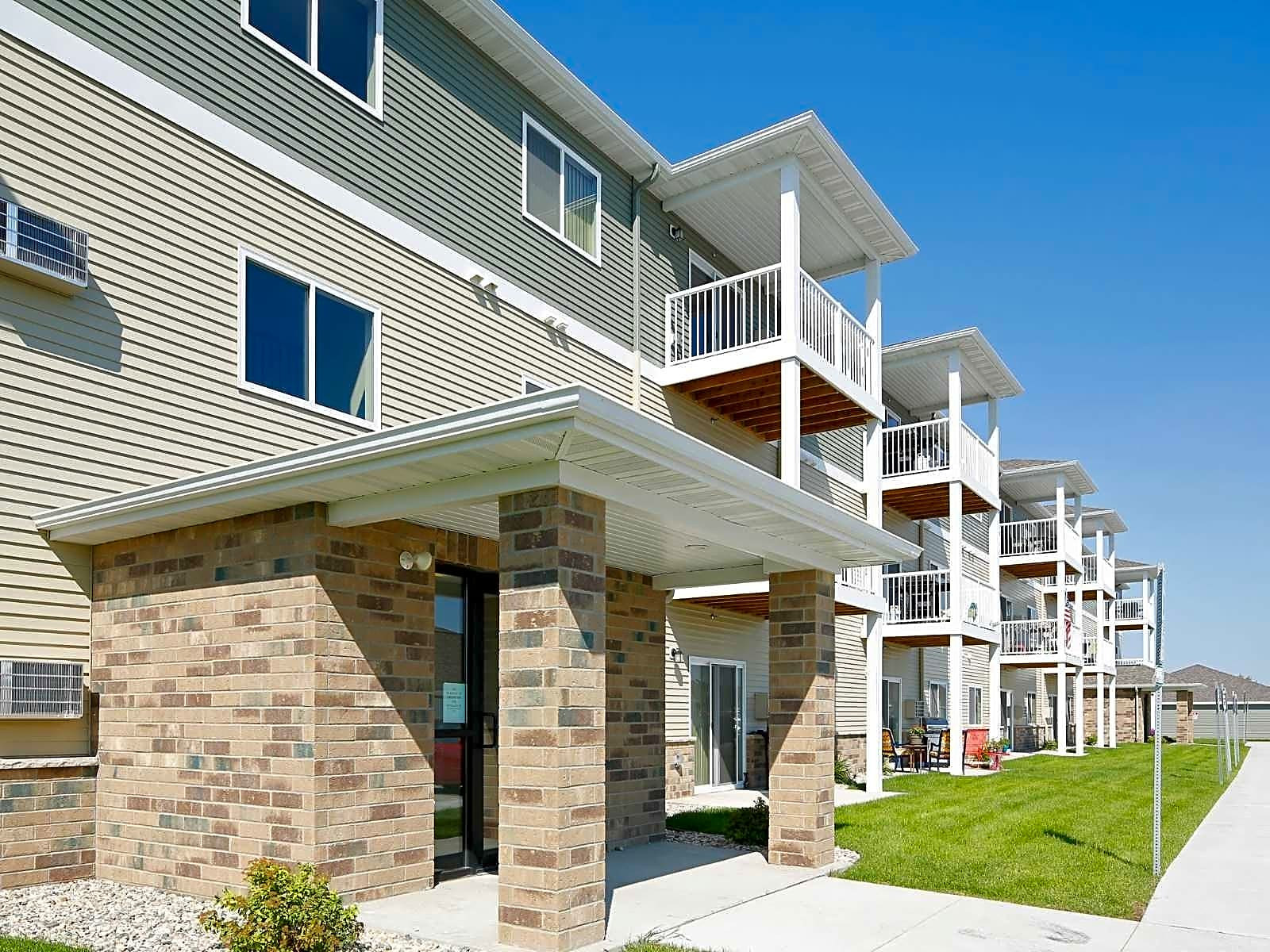 Apartments Near NDSU Southport Heights Apartments for North Dakota State University Students in Fargo, ND