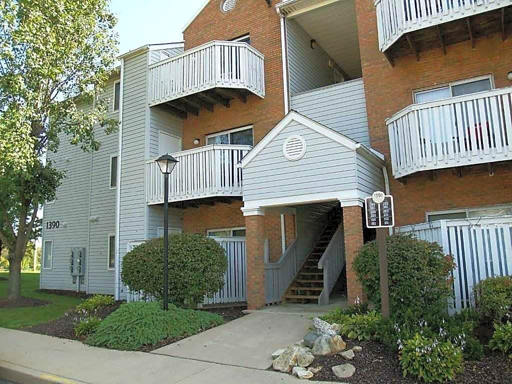 Apartments Near Kent State Kennedy Commons for Kent State University Students in Kent, OH