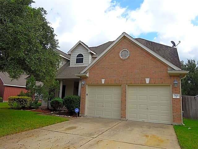 This 3 Bedroom 2 5 Bath Home Has 2636 Square Feet Apartments Cypress Tx 77433