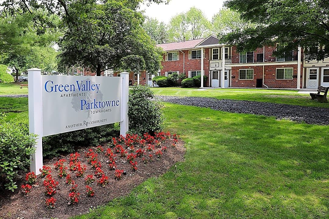 Apartments Near ESU Greenvalley for East Stroudsburg University of Pennsylvania Students in East Stroudsburg, PA