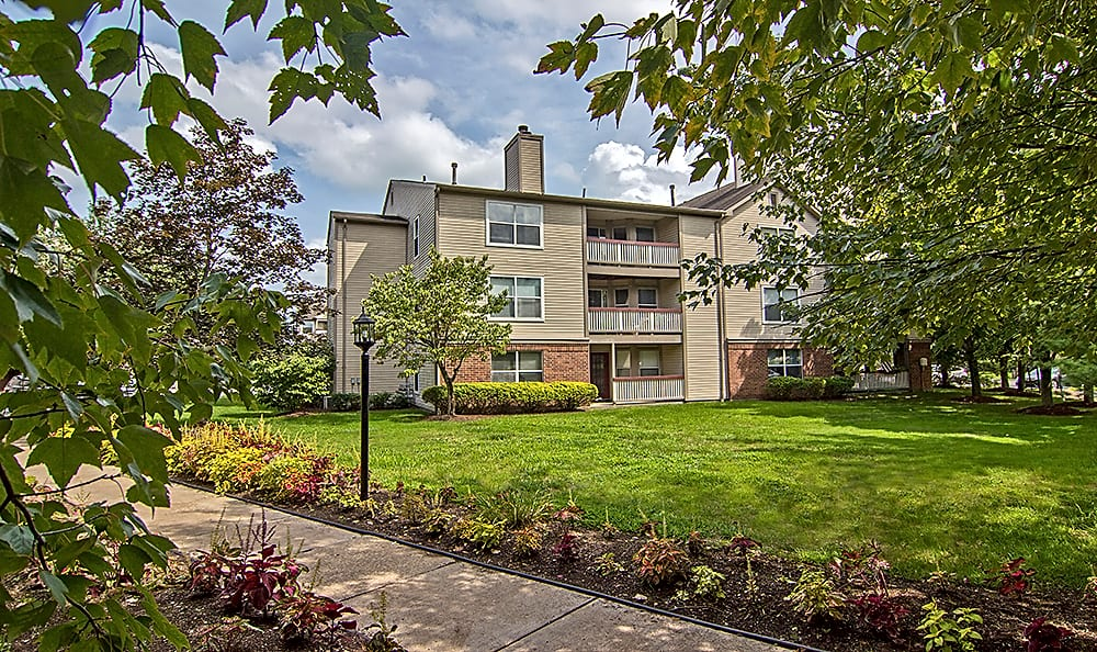 Apartments Near La Roche Club at North Hills for La Roche College Students in Pittsburgh, PA